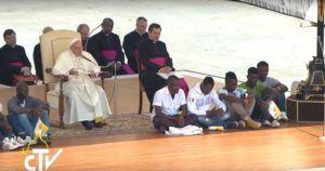 papa francesco udienza generale accogliamo i rifugiati